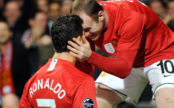 Wayne Rooney has lifted the lid on his relationship with former Manchester United team-mate Ronaldo, as well as his dressing room habits.