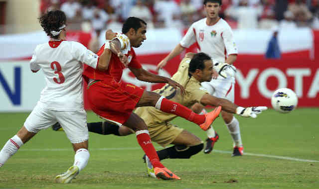 Oman fight to go to the World Cup