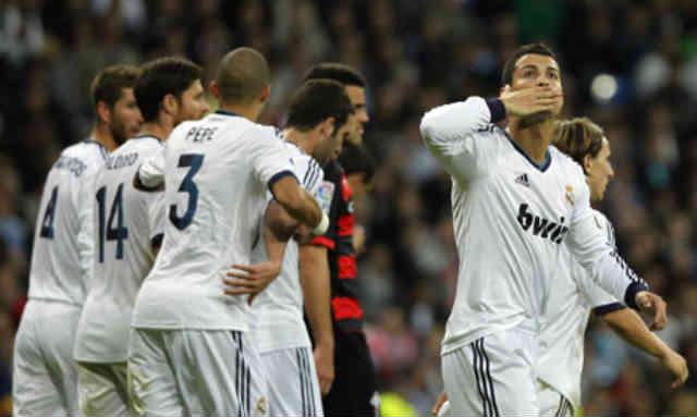 Ronaldo celebrates the his goal with his team mates