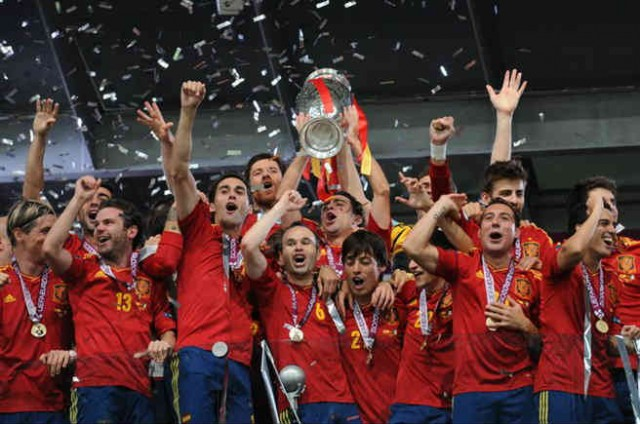The Spanish National team 'La Roja' win trophies in spite of the fact that they play without a striker...