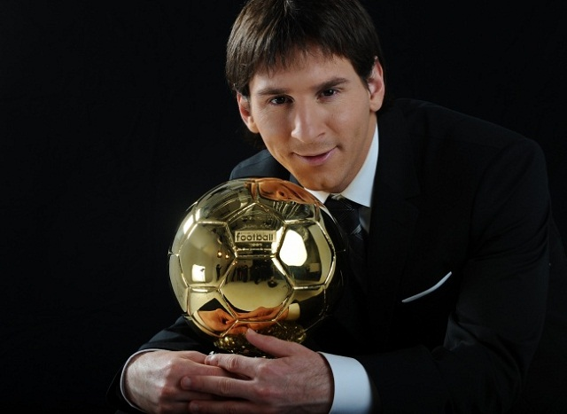 As captain of Argentina, Lionel Messi participates in voting for the Ballon d'Or. A favorite of the ballot, the Barcelona player has decided to vote for a trio he knows well.