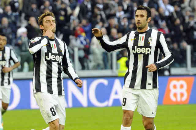 Three goals in the first half hour of the game set the tone for a comfortable victory for the Bianconeri over El Dea