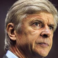 Arsene Wenger says he is still looking for for a top quality striker to reinforce Arsenal's forward line.
