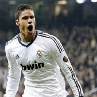 Author of an outstanding game yesterday against FC Barcelona in the semi-finals of the Copa del Rey, Raphael Varane is the new star of Real Madrid. The French defender -19 years old- equalized for Real with ten minutes to go