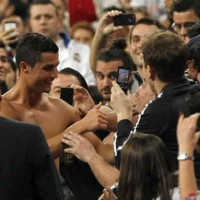Real Madrid fans want to see CR7 remain
