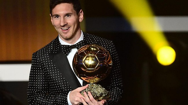 It looks likes Lionel Messi does it again by winning the Ballon d'Or 2012 for the fourth time in a row now.
