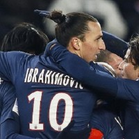 PSG vs Lille 1-0 Ligue 1 Highlights Official HD- Ibrahimovic and his team celebrate a lucky own goal