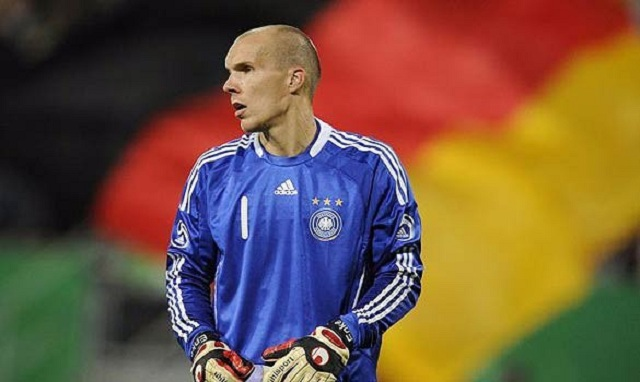 On 10 November 2009, Robert Enke committed suicide. At the time of his death, he was widely considered to be a leading contender for the German number one spot at the 2010 World Cup