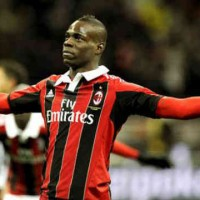 Balotelli who made his debut became a hero in Milan by scoring two goals and bringing a win for his new team