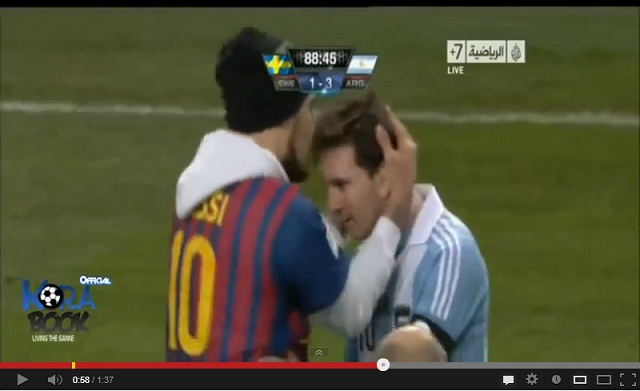 Lionel Messi Fan invades pitch and kissing Messi during Argentina-Sweden 3-2 Friendly