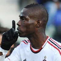 Mario Balotelli scored a decisive penalty for the second match in a row as AC Milan drew 1-1 at Cagliari.