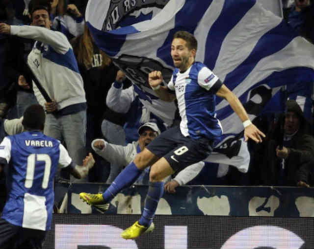 Moutinho brings Porto to an advantage