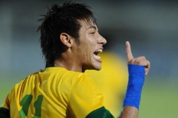 Neymar denies Bayern move