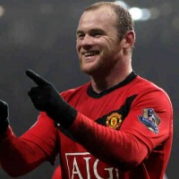 Wayne Rooney has to decide if he will join the Ligue 1 next summer transfer at PSG