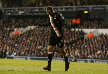 Berbatov refuses to celebrates his goal against his old club Tottenham