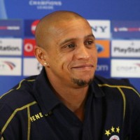 Brazilian legend Roberto Carlos has shrugged off suggestions Barcelona's era of world domination is over and believes they are the best team in the world.