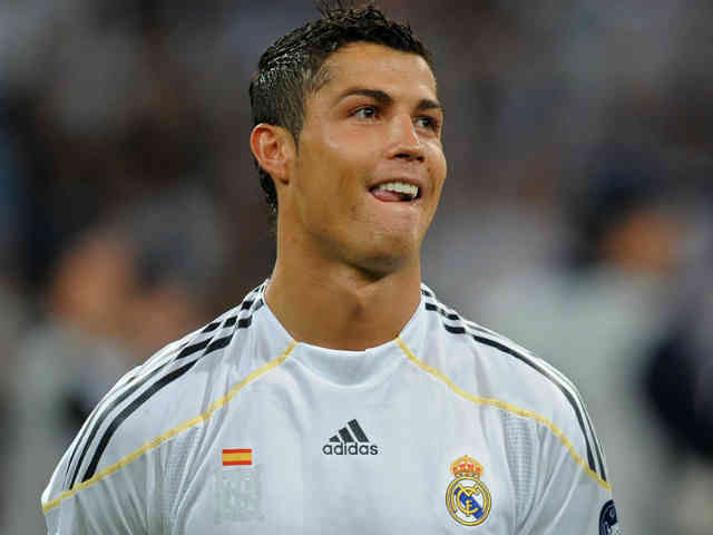 Cristiano Ronaldo will be getting benched for the El Clasico this saturday as Jose Mourinho wants him ready the Champions League play off against Manchester United