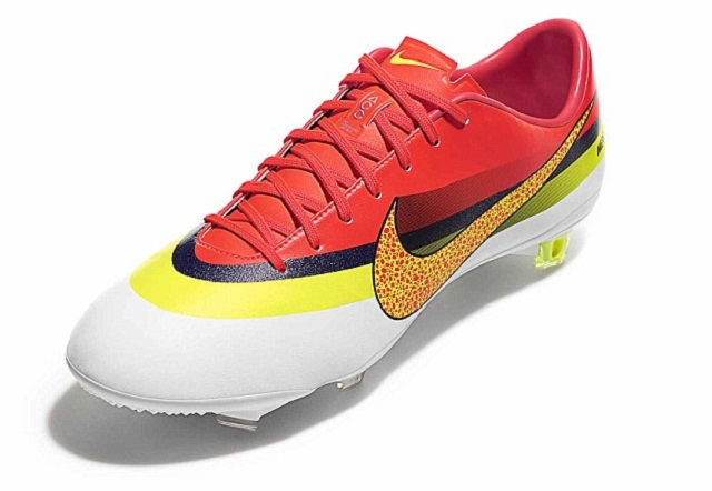 The new Nike CR Mercurial Vapor IX , Cristiano Ronaldo football shoes