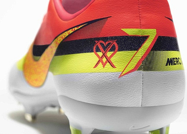 The new Nike CR Mercurial Vapor IX  seen from behind with the love to win logo