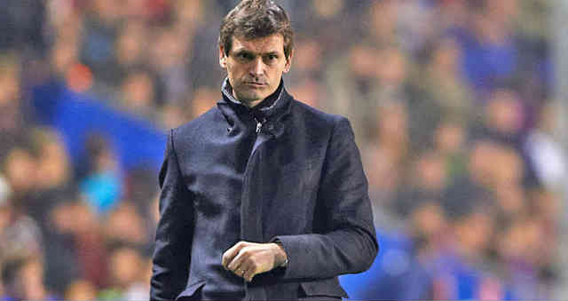 Tito Vilanova is back in Spain after his treatment in New York