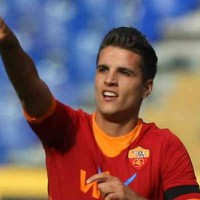 Manchester United make an offer for AS Roma player!