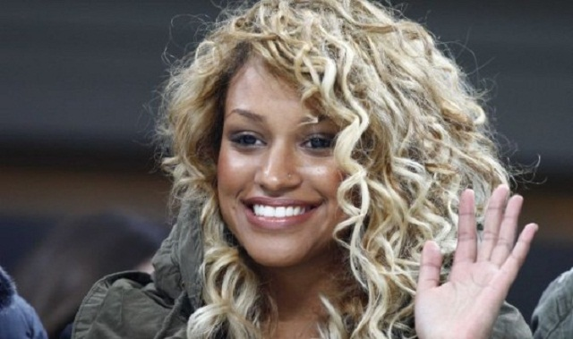 Fanny Neguesha, Mario Balotelli's girlfriend would sleep with all Real Madrid players if they beat Dortmund...that's what SuperMario is suggesting LOL