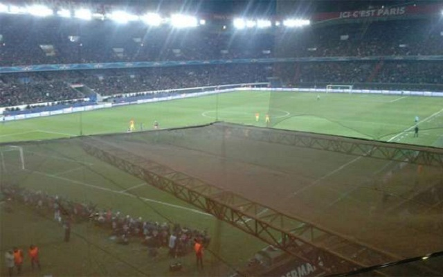 Indeed, several Blaugrana fans have complained, through social networks, about the allocated seats and a view significantly restricted. The nets were rather improperly set up by Paris.