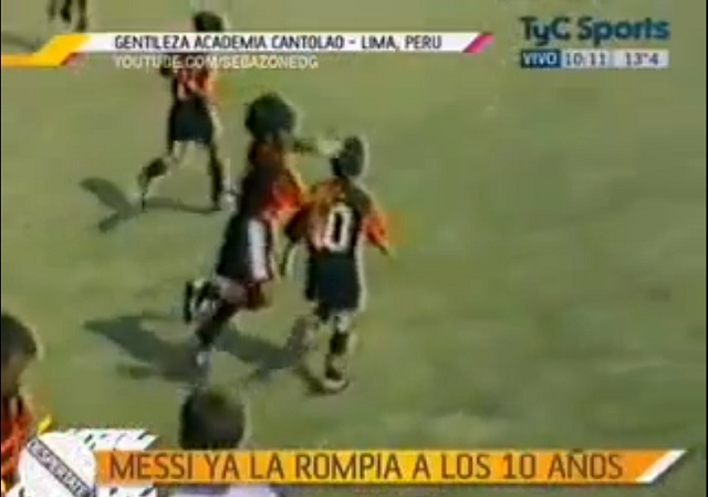Lionel Messi already amazing at 10 yrs old-On the video, He is the small boy wearing the shirt number 10, and his team was 'Newell's allboys' in this match.