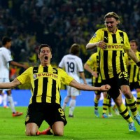 All Europe stop and watch Robert Lewandowski