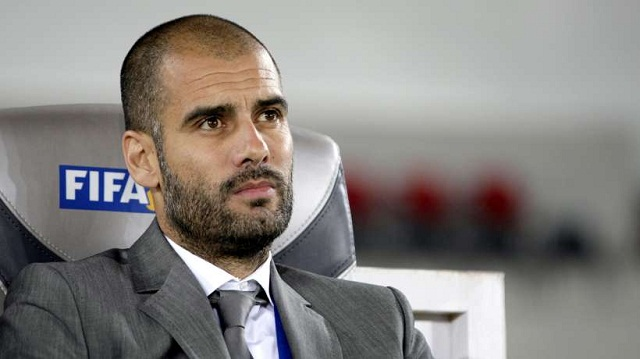 When Pep Guardiola arrived at the head of Barcelona, Tito Vilanova gave him a brilliant idea- to associate Messi with the duo Xavi-Iniesta, by playing him in the midfield.