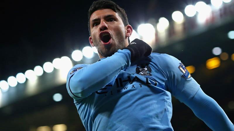 Manchester City's Carlos Aguero celebrates scoring against Man United