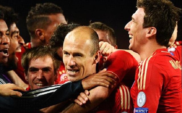 Bayern Munich players celebrate in their semi final win against  Barcelona