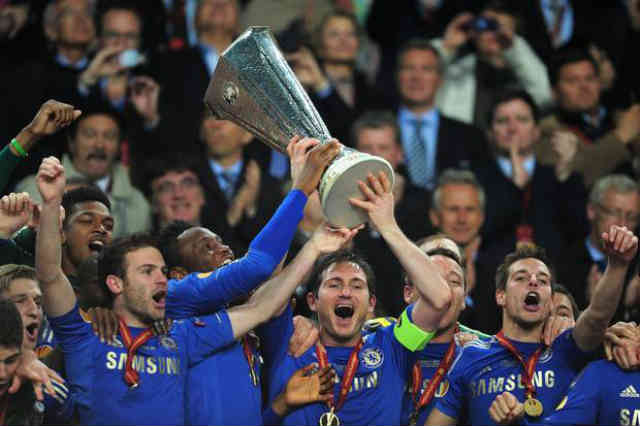 Chelsea celebrate with the Europa League title
