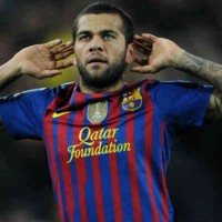 Alves dreaming to play along side Messi and Neymar