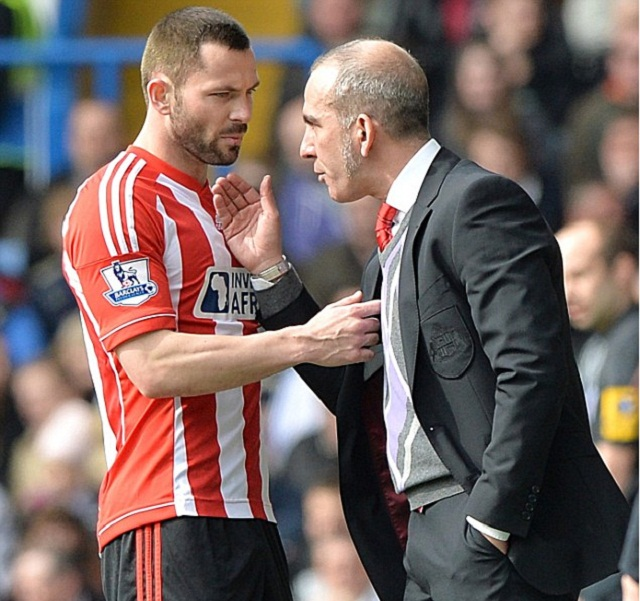 Di Canio and Bardsley have a discussion on the touchline during a game - that may never happen again at Sunderland