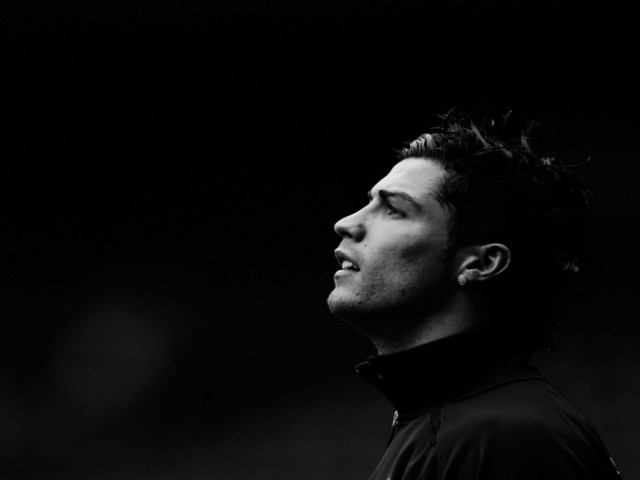 It is an open secret. Cristiano Ronaldo is high on the wishlist of the Qataris of Paris St Germain. But the Portuguese maintains the mystery about his future at Real Madrid.