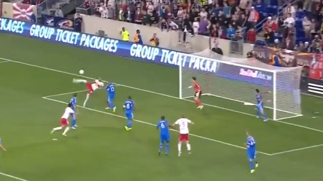 Thierry Henry AMAZING Bicycle Kick-New York Red Bulls vs Montreal Impact