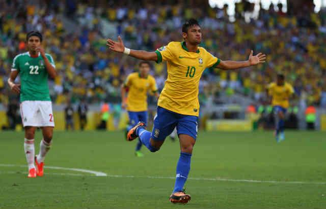 Neymar once again scores an amazing goal