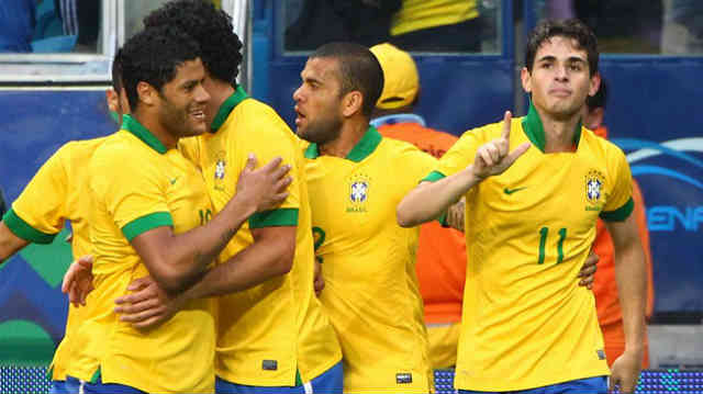 Oscar celebrates his goal with Brazil