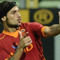 Atletico Madrid negotiates Osvaldo