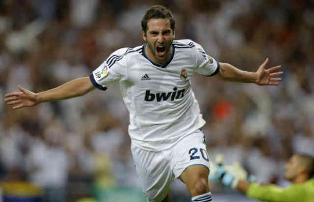 Higuain has accepted to move to Italy to Naples