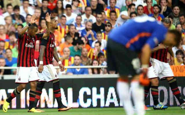 Robinho celebrates his goal