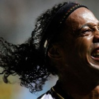 Ronaldinho's Atletico Mineiro progressed to the Copa Libertadores final on Thursday with a dramatic 3-2 penalty .