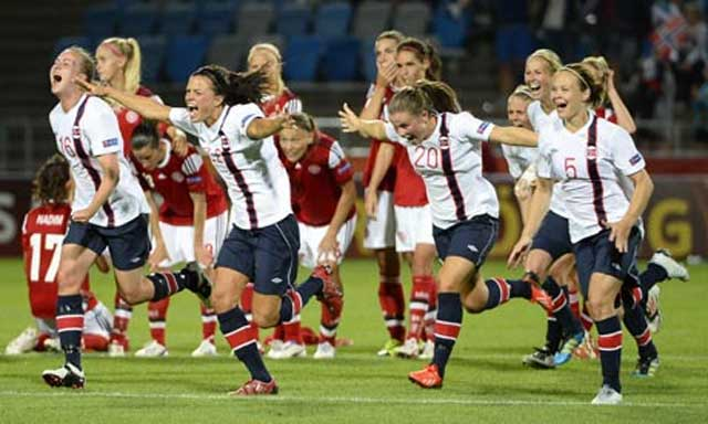Norway's womens football team celbrate after beating Denmark in the Euro 2013 semi-final on penalty shootout