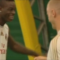 Balotelli laughs after El shaarawy falls at training