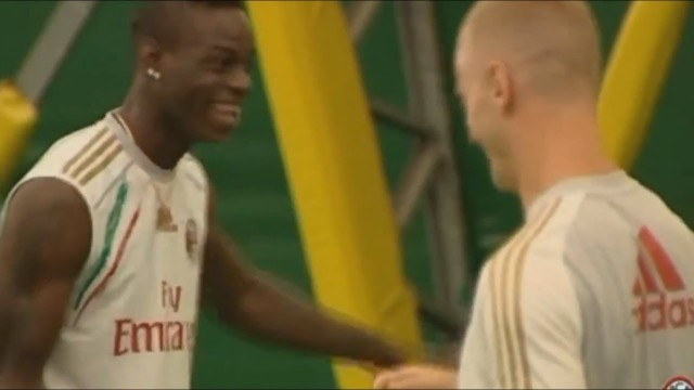 Balotelli laughs after El Shaarawy falls, He can't keep balance!