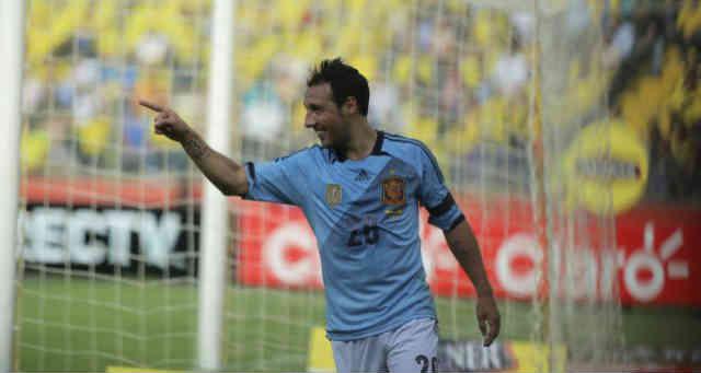 Carzola celebrates his goal for Spain