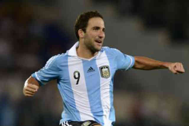 Higuain celebrate his smashing goal against Italy