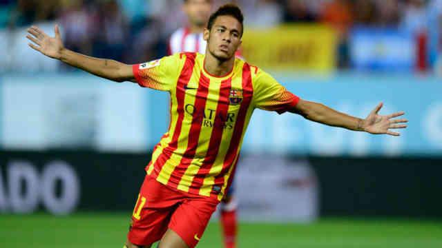 Neymar celebrates his goal against the Ateltico Madrid