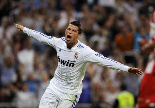 Ronaldo has turned offers from the other and will decide to extend his contract with Real Madrid